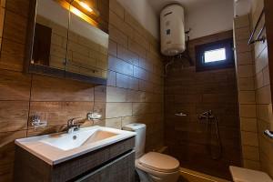 Ξενώνας Γιατάκι μπάνιο